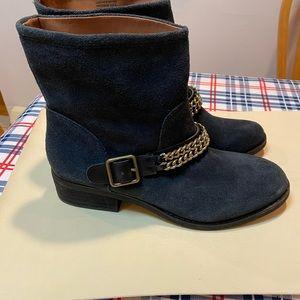Suede loft boots